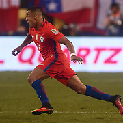 Chile Attacker ALEXIS SÁNCHEZ (7) dribbles the ball a cross the field in the second half of a Copa America Centenario Group D match between the Chile and Panama Tuesday, June. 14, 2016 at Lincoln Financial Field in Philadelphia, PA.