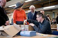 17-02-2015 STADSKANAAL - King Willem-Alexander and Queen Maxima of The Netherlands visit social employment agency Wedeka in Stadskanaal during an region visit to Veenkoloniën (peat colonies) of Groningen and Drenthe, 17 February 2015.  Photo: Robin Utrecht