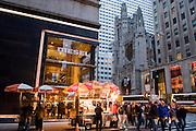 New York City Manhattan USA Fifth Avenue Diesel Geschaeft ..Fifth Avenue, 5th ave, Manhattan, shopping, Einkauf, Konsum, Schaufenster, Strassenszene, Mode, Bekleidung, Schmuck, asseccoirs, Wirtschaft, Weihnachten, Weihnachtsgeschaeft, Handel, economy, shops, consumer, money, Geschaeft, store, Jeans, Hosen, Bekleidung