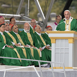 Lisa Johnston | lisajohnston@archstl.org  | Twitter: @aeternusphoto  Pope Francis closed the 2015 World Meeting of Families with an outdoor Mass celebrated on the Benjamin Franklin Parkway. He talked during his homily.