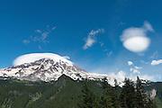 """Lenticular """"cap"""" cloud over Mt. Rainier"""