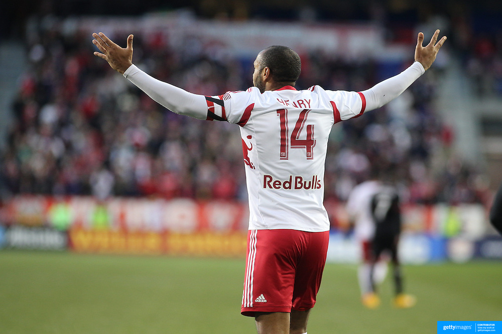 Thierry Henry, New York Red Bulls, in action during the New York Red Bulls V DC United, MLS Cup Playoffs, Eastern Conference Semifinals first leg at Red Bull Arena, Harrison, New Jersey. USA. 2nd November 2014. Photo Tim Clayton