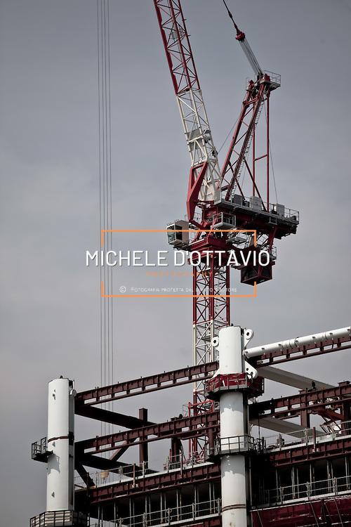 Torino, cantiere del grattacielo Torre Intesa Sanpaolo progettato da Renzo Piano. 16 agosto 2012