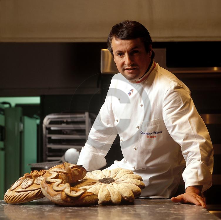 22/01/01 - AURILLAC - CANTAL - FRANCE - Portrait de Christian VABRET, Meilleur Ouvrier de France en Boulangerie - Photo Jerome CHABANNE