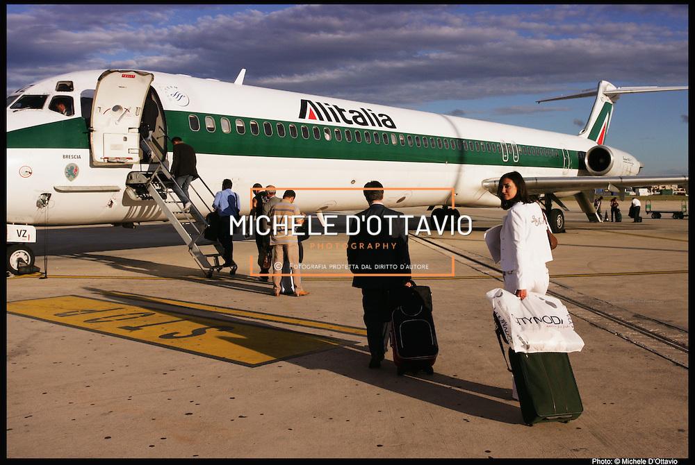 aerei Alitalia Aeroporto di Brindisi