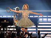5/21/2014 - FOX - American Idol XIII - Finale