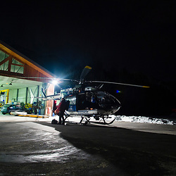 Activit&eacute; des gendarmes en charge du secours en montagne &agrave; la DZ de Modane. D&eacute;part en secours en montagne de l'h&eacute;licopt&egrave;re EC145 Choucas 73 du D&eacute;tachement A&eacute;rien Gendarmerie et vues nocturnes du DAG. <br /> F&eacute;vrier 2017 / Modane (73) / FRANCE