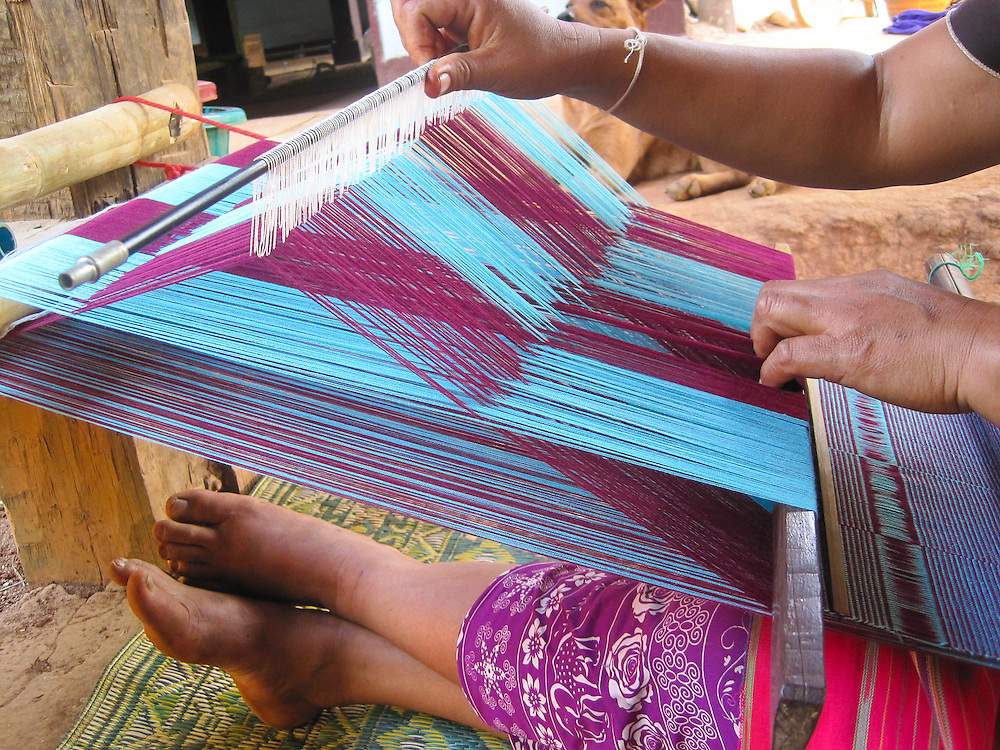 Weaving is a family tradition. Both Mida and her mother learned to weave when they were eight years old. Weaving is important to Thai Karen culture, and only the women weave.