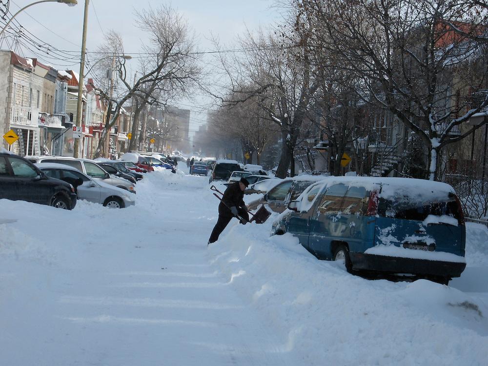 Tempête de neige sur le plateau Mont-Royal, Montréal.