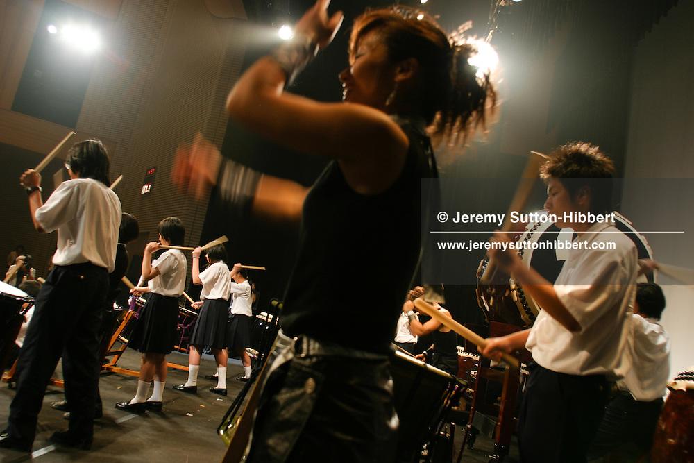 'TAO Drummers' performing at Tomeikan School, Kiyama town, Saga Prefecture, Japan 07.07.04..©Jeremy Sutton-Hibbert2004 Tel. +81-80-3177-6614