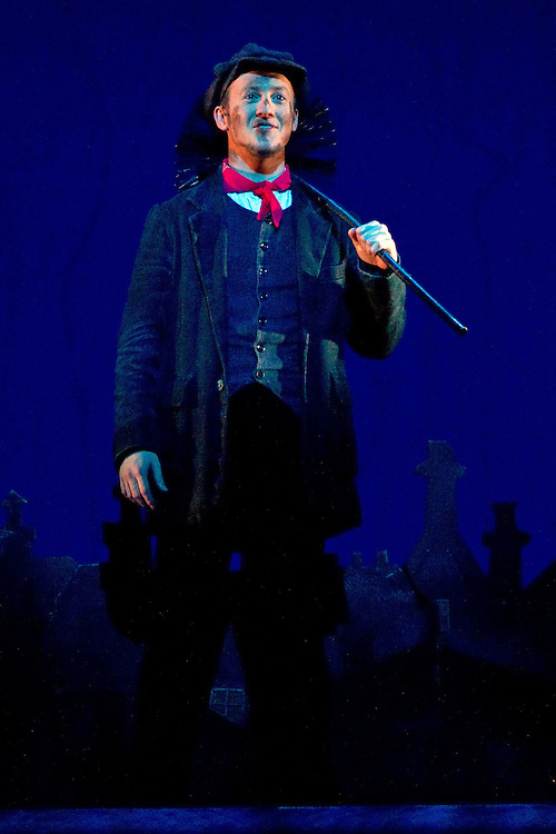 Matt Lee as Bert performs the song Chim Chim Cher-ee at the media call of the stage show Mary Poppins, Civic Theatre, Auckland, New Zealand, Wednesday, October 17, 2012.   Credit: SNPA / David Rowland