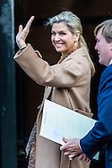 AMSTERDAM - queen maxima and king willem alexander arrive at the palace at the dam square in amsterdam . princess beatrix copyright robin utrecht <br /> koningin maxima  paleis op de dam , koning willem alexander