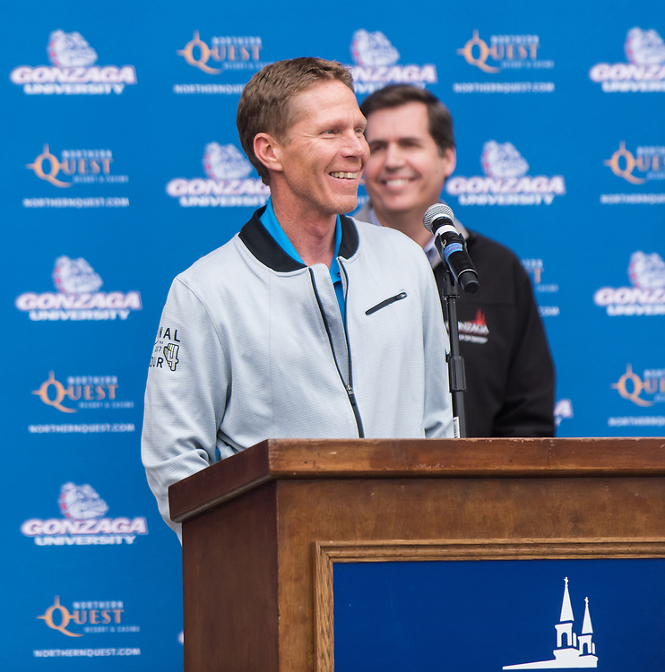 Coach Mark Few and President Thayne McCulloh at the Foley Center rally on April 5. (Photo by Edward Bell)