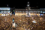 Indignant demonstrate against police brutality and Puerta del Sol Square reopens
