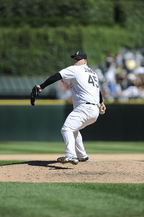 CHICAGO - JULY 23:  Bobby Jenks #45 of the Chicago White Sox pitches during the game against the Texas Rangers at U.S. Cellular Field in Chicago, Illinois on July 23, 2008.  The White Sox defeated the Rangers 10-8. (Photo by Ron Vesely)