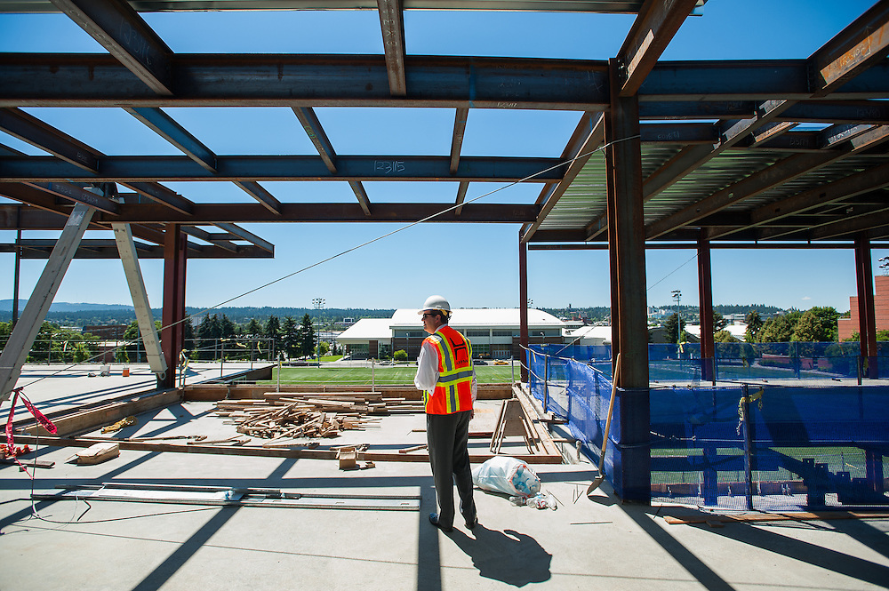 People come and sign the beam before its installation into the Hemmingson Center. (Photo by Gonzaga University)