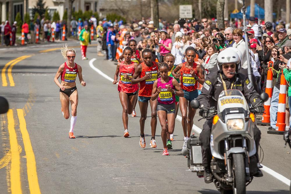 2014 Boston Marathon: lead pack of elite women race near mile 17, Shalane Flanagan