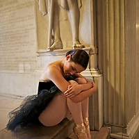 Classic ballerina at Yale´s Commons