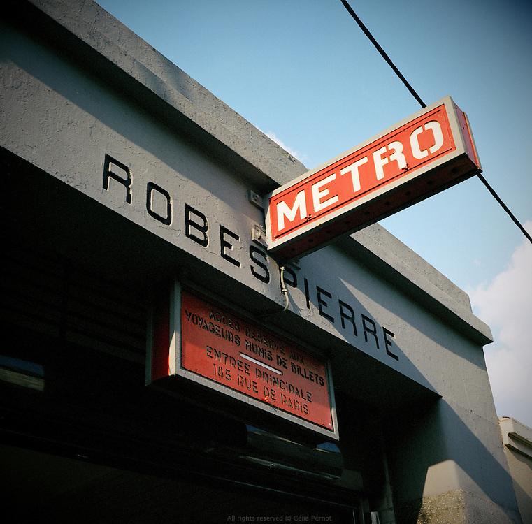 Station de Métro Robespierre, rue de Paris. Montreuil, Seine Saint Denis, France.