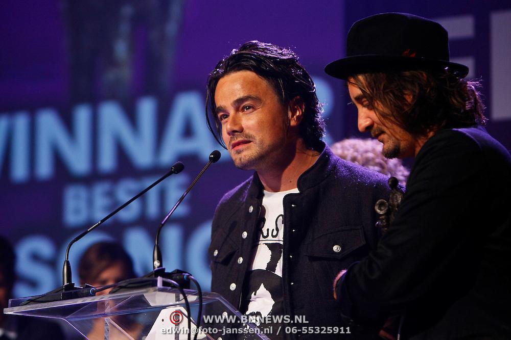 NLD/Rotterdam/20101003 - Uitreiking Edison Popprijzen 2010, Winnaar edison veronica publieksprijs, Kane, Dinand Woesthof