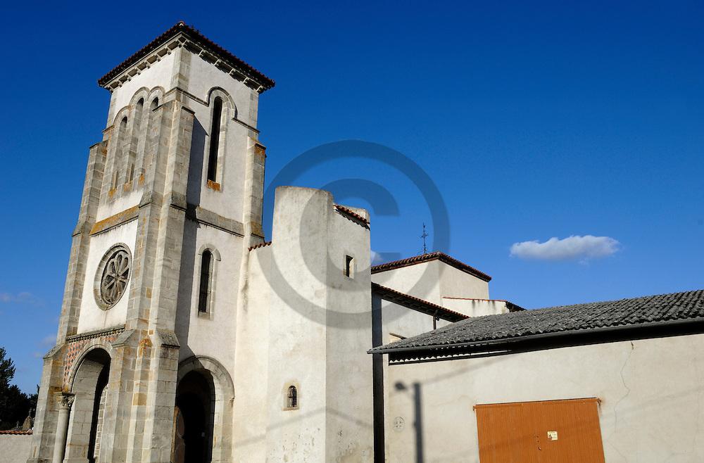 06/09/07 - JOZE - PUY DE DOME - FRANCE - Eglise de JOZE - Photo Jerome CHABANNE
