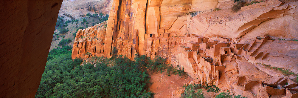 0111-1043LVT ~ Copyright: George H.H. Huey ~ Betatakin cliff dwelling, Anasazi culture, built @ A.D. 1200's in alcove in Tsegi Canyon. Navajo National Monument, Arizona.