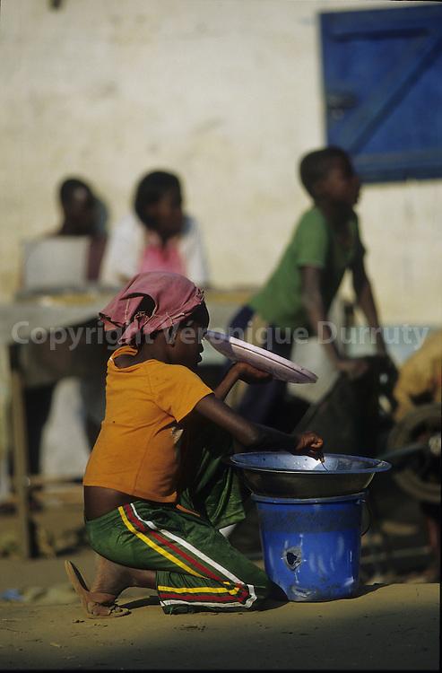 CHILDREN. LIFE SCENE IN A CONGOLESE MARKET, CONGO