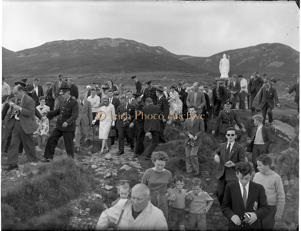 15/06/1961<br /> 06/15/1961<br /> 15 June 1961<br /> Royal Visit to Ireland by Princess Grace and Prince Rainier of Monaco. The royal couple at Westport, Co. Mayo.<br /> The Royal couple climb Croagh Patrick.