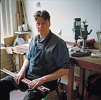 David Hawthorne, bow maker