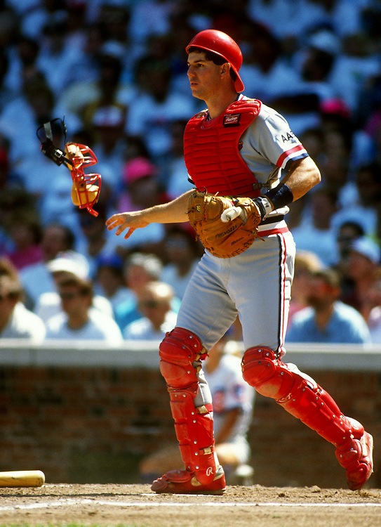 CHICAGO, IL-UNDATED: St. Louis Cardinals catcher Tom Pagnozzi readies for a play at the plate during an MLB game between the Chicago Cubs and St. Louis Cardinals at Wrigley Field in Chicago, Illinois.  Pagnozzi played for the Cardinals from 1987-1998.  (Photo by Ron Vesely)