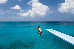 """""""La Piscinita"""" um dos grandes atrativos turisticos da Ilha de San Andres (tambem conhecida como San Andres Isla) , a maior das ilhas que formam parte do Arquipelago de San Andres, Providencia e Santa Catalina. Pertence a Colombia desde o ano de 1803 / San Andres (island) is a coral island among the Colombian islands in the Caribbean Sea. The snorkeling site at La Piscinita."""