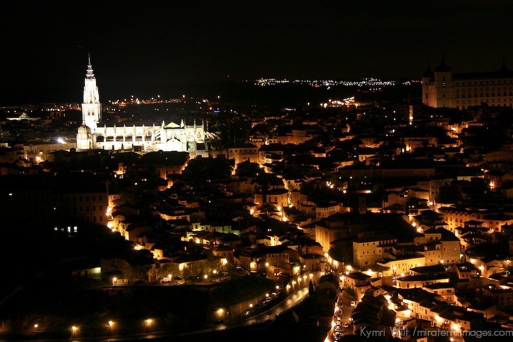 Europe, Spain, Toledo. View of the UNESCO World Heritage city and the Cathedral of Toledo from the Parador de Toledo Hotel.