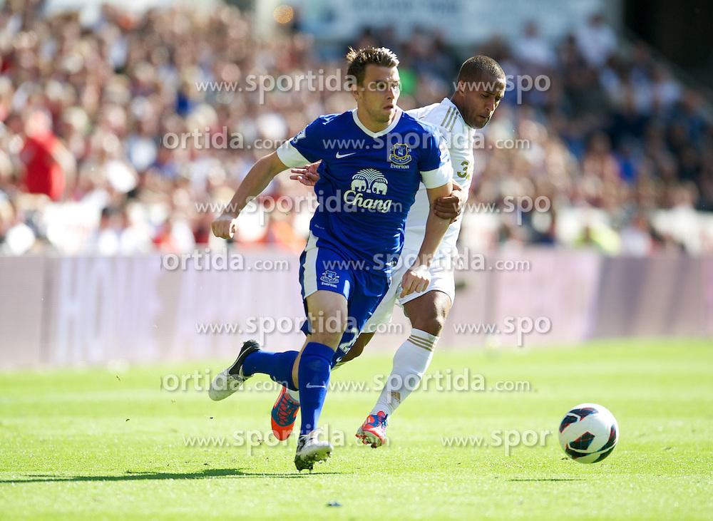 22.09.2012, Liberty Stadion, Swansea, ENG, Premier League, Swansea City vs FC Everton, 5. Runde, im Bild Everton's Seamus Coleman in action against Swansea City during the English Premier League 5th round match between Swansea City AFC and Everton FC at the Liberty Stadium, Swansea, Great Britain on 2012/09/22. EXPA Pictures © 2012, PhotoCredit: EXPA/ Propagandaphoto/ David Rawcliff..***** ATTENTION - OUT OF ENG, GBR, UK *****