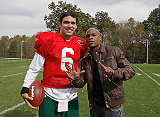 October 8, 2009: Floyd Mayweather Visits NY Jets Camp