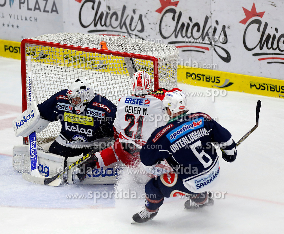 15.01.2016, Stadthalle, Villach, AUT, EBEL, EC VSV vs EC KAC, 43. Runde, im Bild Jean Philippe Lamoureux (VSV), Manuel Geier (KAC) und Gerhard Unterluggauer (VSV) // during the Erste Bank Icehockey League 43th round match between EC VSV vs EC KAC at the City Hall in Villach, Austria on 2016/01/15, EXPA Pictures © 2016, PhotoCredit: EXPA/ Oskar Hoeher