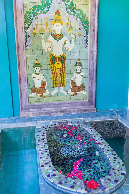 Kamar Dandang Goela Spa at Tugu Hotel Bali.
