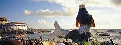 Salvador, BA, Brasil. 02/Fev/2005.Festa de Yemanja na Praia de Rio Vermelho, onde oferendas sao feitas a Deusa do Mar./ Yemanja party at Rio Vermelho (red river) beach, where gifts are offer to sea goddess..Foto Marcos Issa/Argosfoto