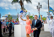 20-11-2013 ARUBA – ORANJESTAD - King Willem Alexander of the Netherlands and Queen Maxima at Aruba The welcome ceremony with Z.E. mr. M.G. Eman, minister-president van Aruba  They will visit all the 6 Dutch Islands. The royal couple will visit the Caribbean . COPYRIGHT ROBIN UTRECHT