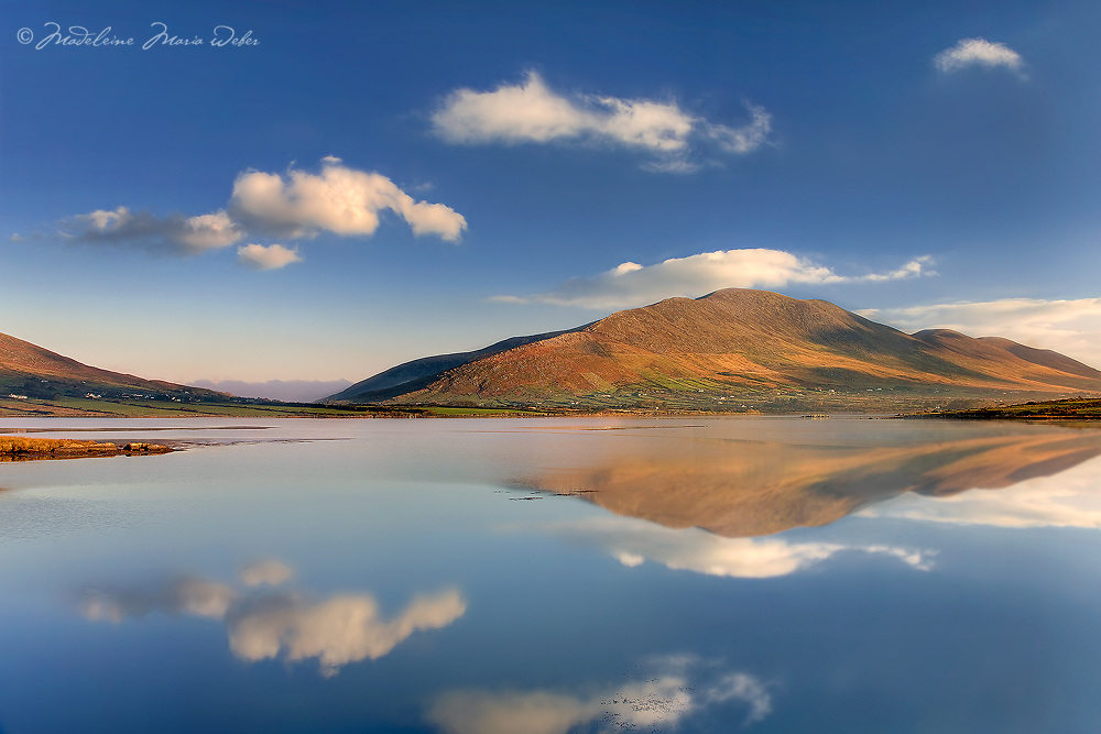 Peacefull sunrise in Cahersiveen with view on Knock na d'Tobar and reflexionS / ch182