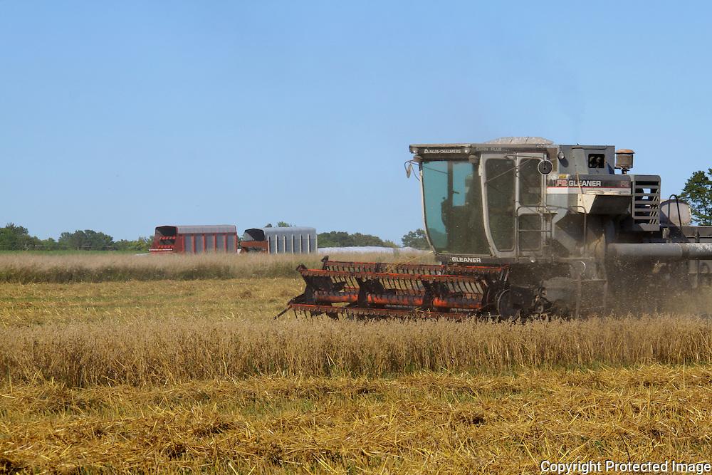 Combine, farm, Door County, agriculture