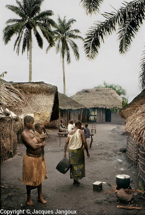 Africa, Democratic Republic of the Congo, Ngiri River area, village of Libinza tribe.