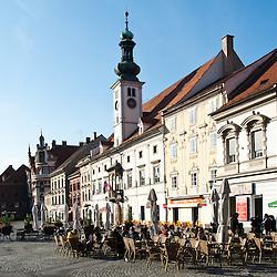 La piazza di Glavni trg con il Municipio e la Colonna della peste