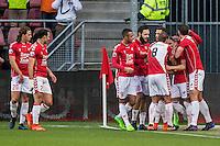 UTRECHT - FC Utrecht - SC Heerenveen , Voetbal , Eredivisie , Seizoen 2016/2017 , Stadion Galgenwaard , 05-02-2017 ,   FC Utrecht speler Andreas Ludwig scoort de 1-0 en viert dit met zijn medespelers