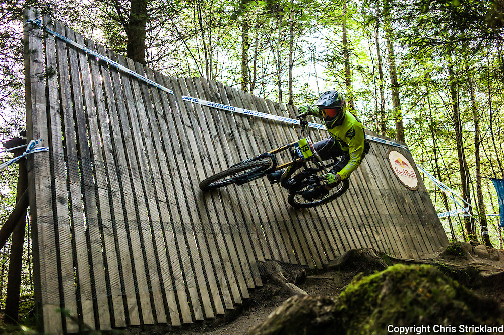 Nevis Range, Fort William, Scotland, UK. 4th June 2016. Douglas Novak Vieira of Brazil in action on the wall. The worlds leading mountain bikers descend on Fort William for the UCI World Cup on Nevis Range.