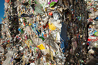 03 JAN 2012, BERLIN/GERMANY:<br /> Wertstoff Weissblech nach der Sortierung, Sortieranlage fuer Anfall / Wertstoffe aus der Gelben Tonne, Alba Recycling GmbH, Berlin-Mahlsdorf<br /> IMAGE: 20120103-01-024<br /> KEYWORDS: Wertstoffe, Recycling, Alba Group, Urban Mining, Gelber Sack, Gruener Punkt, Gr&uuml;ner Punkt, Duales System, Muell. M&uuml;ll. Verwertung