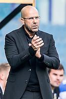 ARNHEM - Vitesse - FC Groningen , Voetbal , Eredivisie, Seizoen 2015/2016 , Gelredome , 03-10-2015 , Vitesse trainer Peter Bosz coacht langs de kant