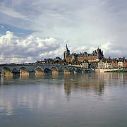 AA00395-04...FRANCE - The town of Gien on the banks of the Loire River