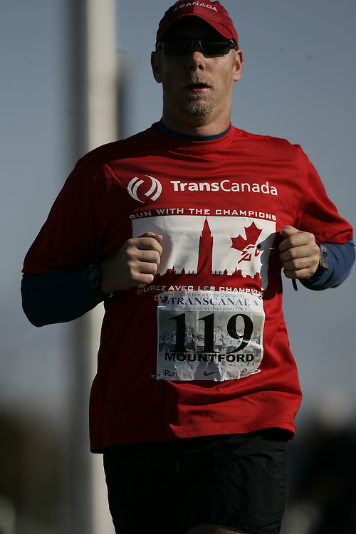 (Ottawa, ON---18 October 2008) \1119\ competes in the 2008 TransCanada 10km Canadian Road Race Championships. Photograph copyright Geoff Robins/Mundo Sport Images (www.msievents.com).