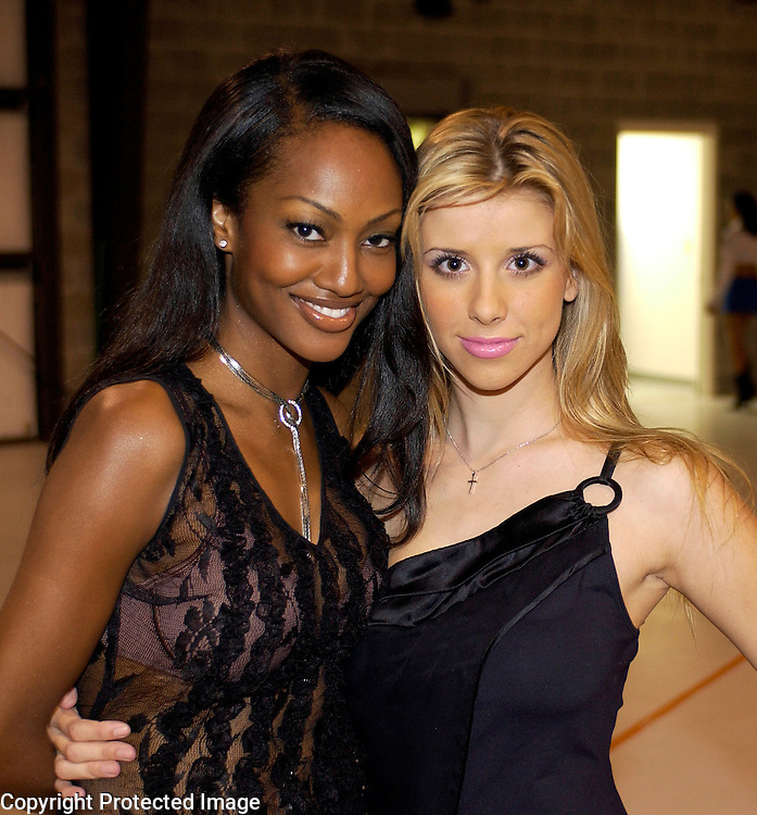 Nicole Robinson, Melissa Schuman