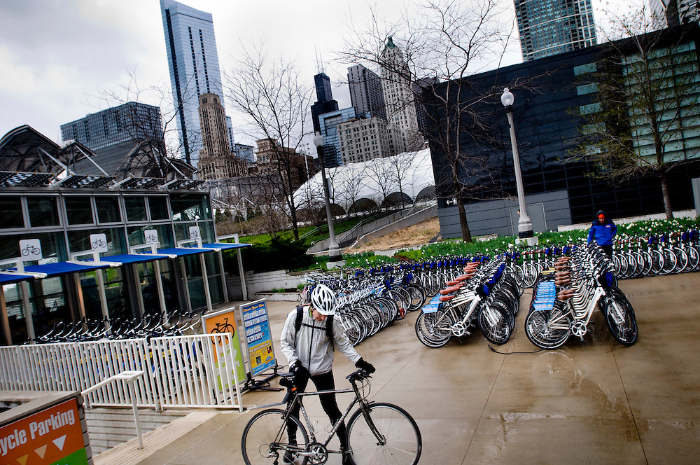 The McDonlands Cycle Center in Millenium Park.  A place where commuters can park their bikes, shower and change before going to the office.<br /> <br /> Photographer: Chris Maluszynski /MOMENT<br /> <br /> <br /> <br /> Photographer: Chris Maluszynski /MOMENT